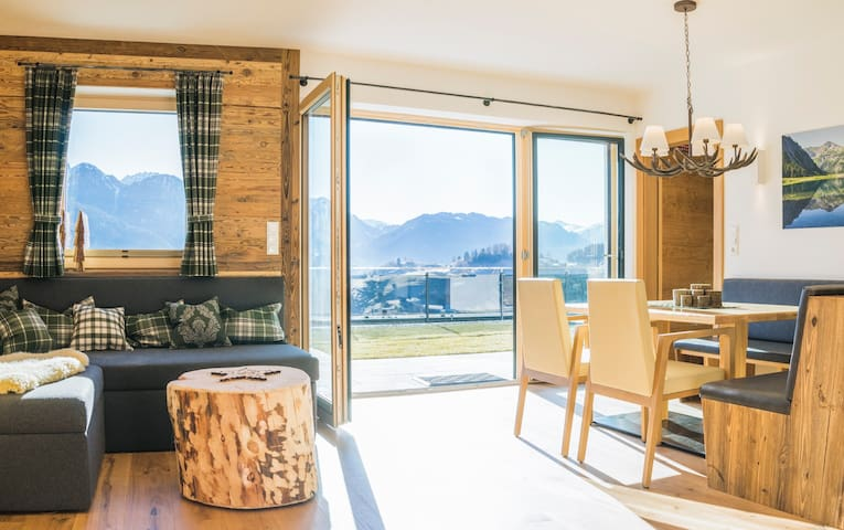 Traum-Ferienwohnung Oberberg in Fiss - Fiss - Apartment
