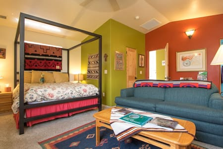 Grand Canyon! Gorgeous upper suite - Flagstaff - Bed & Breakfast