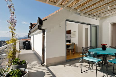 Penthouse Nugal Makarska /seaview/balcony/BBQ
