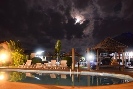 Moon House Bungalows 1 - Phuket - Chalet