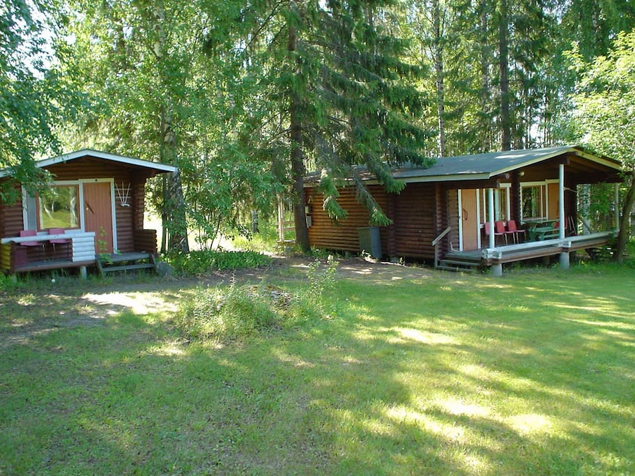 The exotic log cabins with twin or triple rooms