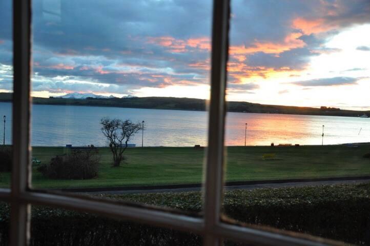 Beautiful Sunsets over Cumbrae