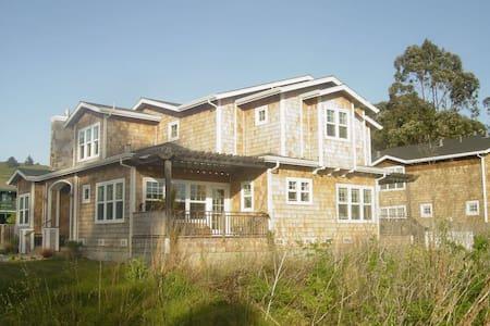 Coastal Oceanside Private 4BD Home - Casa