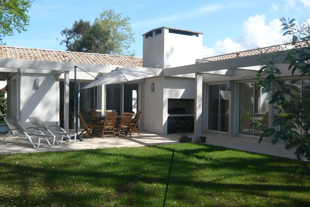 Superbe maison moderne pour 9 pers h user zur miete in for Maison moderne 400m2