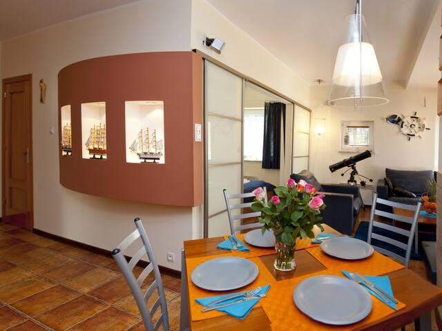 """Urokliwy apartament """"Nad Zatoką"""""""