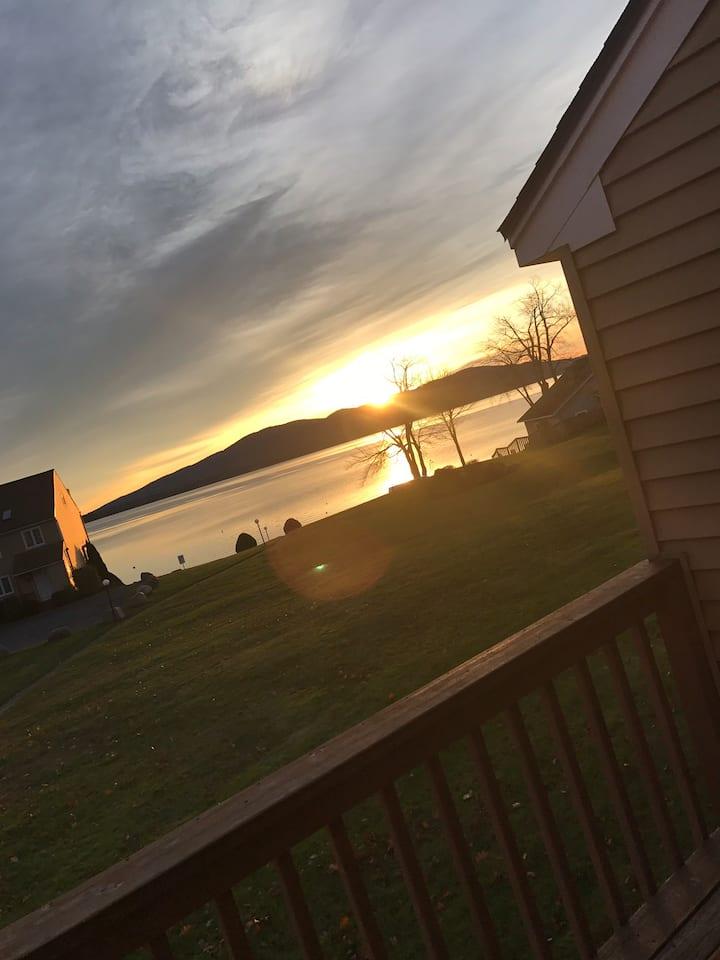 Ossipee Lake Views-lakefront condo!