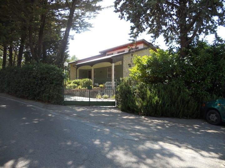 sunny family friendly villa papua pua hill