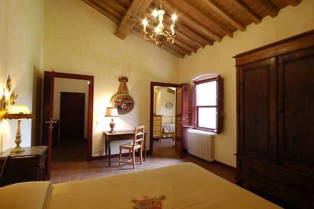 Suite familiare - Collesalvetti - Bed & Breakfast