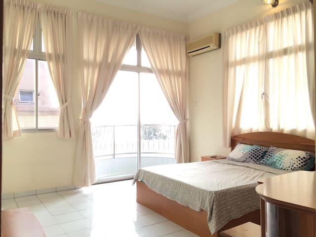 Gurney suite master room sea view - Georgetown - Leilighet