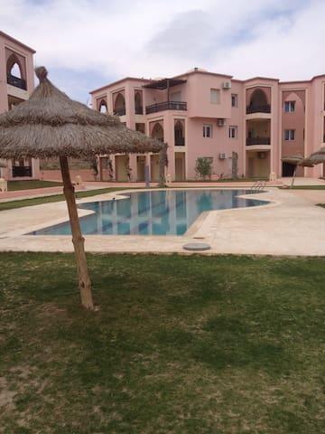 Appart hôtel à 100m de la mer - Zarzis - Pis