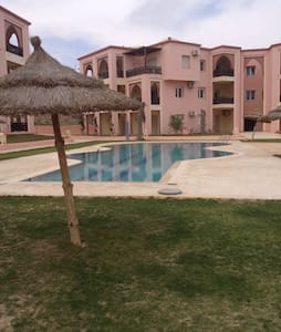 Appart hôtel à 100m de la mer - Zarzis - Квартира