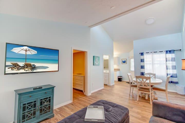 VILLA 3 · POOL VIEW  1 Bed Villa Walk to Beach SPECIALS V3