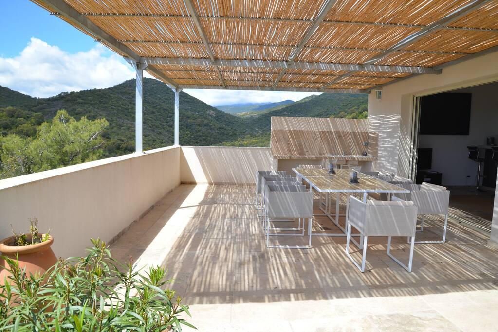 La terrasse devant séjour