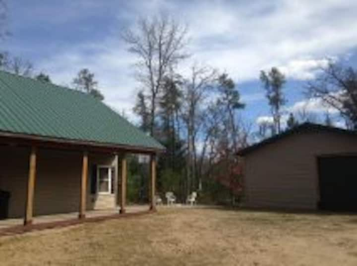 NEW, BEAUTIFUL & SECLUDED CABIN!!