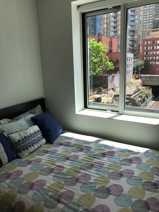 Fun comfy and convenient studio in midtown west for Appartamenti midtown new york