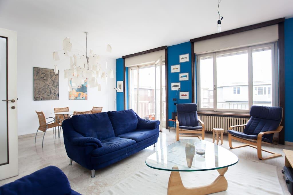 Spazioso appartamento zona tortona appartamenti in for Zona tortona milano