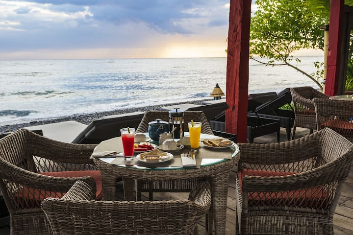 Beachfront room located in Amed