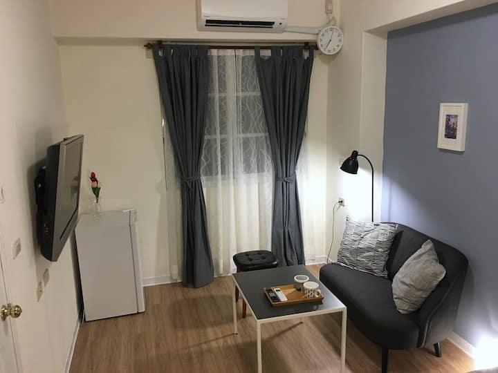ACozyroom4U唯一房源全室消毒。一樓獨立進出套房。一次僅接待一組客人。檜意村、阿里山鐵路旁。