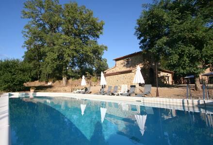 Castle Court 11 Bdr 11 Bth 29 guest Private Pool - Ciggiano