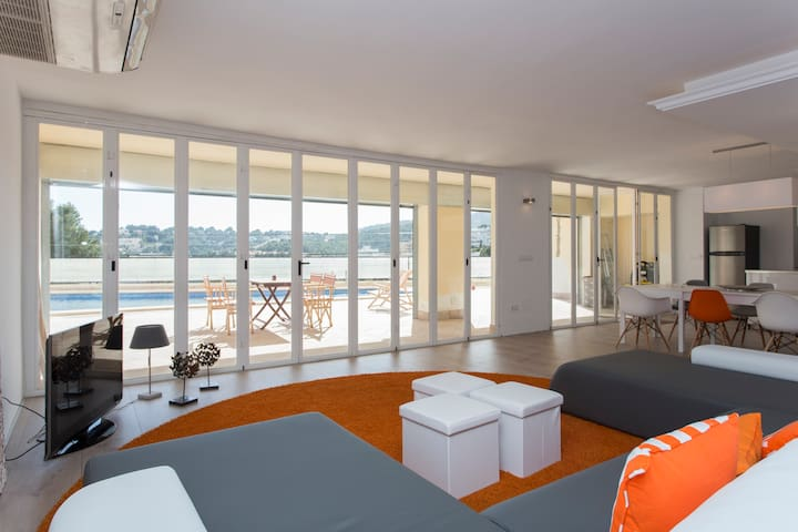 NEW  loft 4+2 pers. pool / views