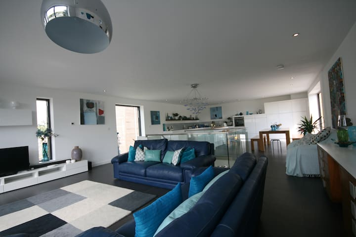 Fabulous contemporary coastal house - Challaborough - Casa