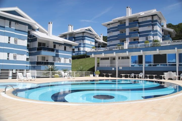 apartment 100m beach - pool/barbecue/soccer field