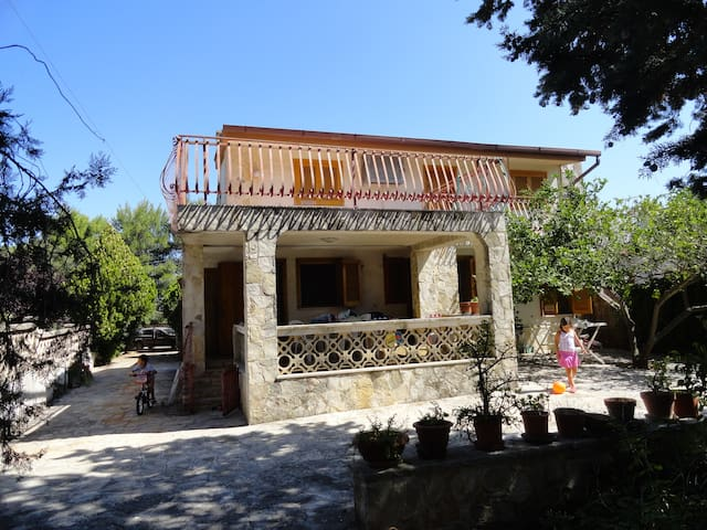 Large country house near Jonio sea  - Pulsano Marina - Huvila