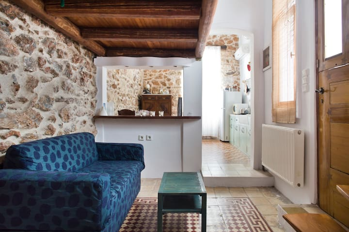 30sqm of wood and stone - Athen - Wohnung
