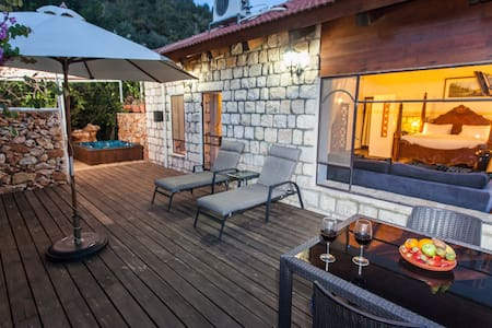 Luxury Suite That Feels Like Home - Amirim - Bed & Breakfast