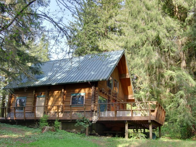 Forest Log Cabin near River/Bay/Sea - Nehalem - Stuga