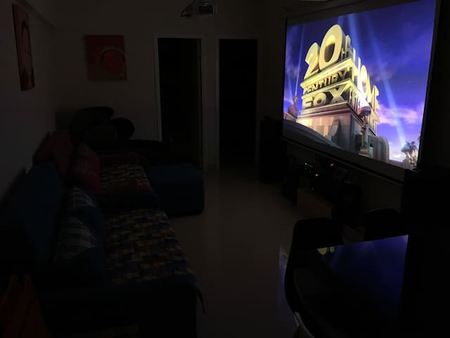 "Wow 120"" Cinema Theatre!! 超大120吋家居投影电影院"