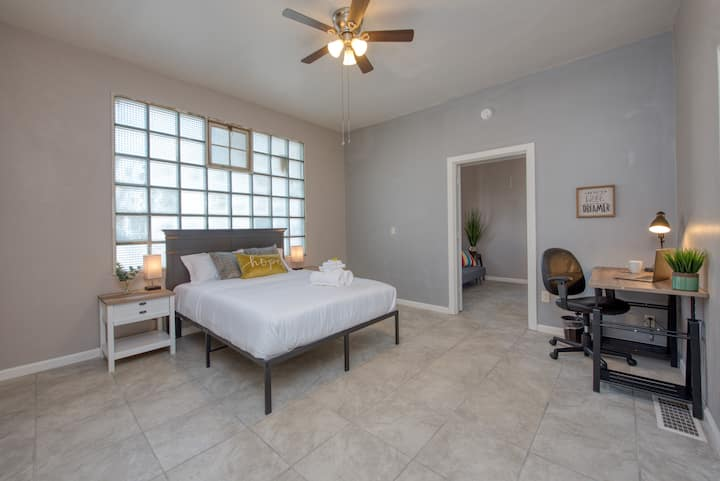 Spacious Private BR w/ Queen Bd in Fresno | #5