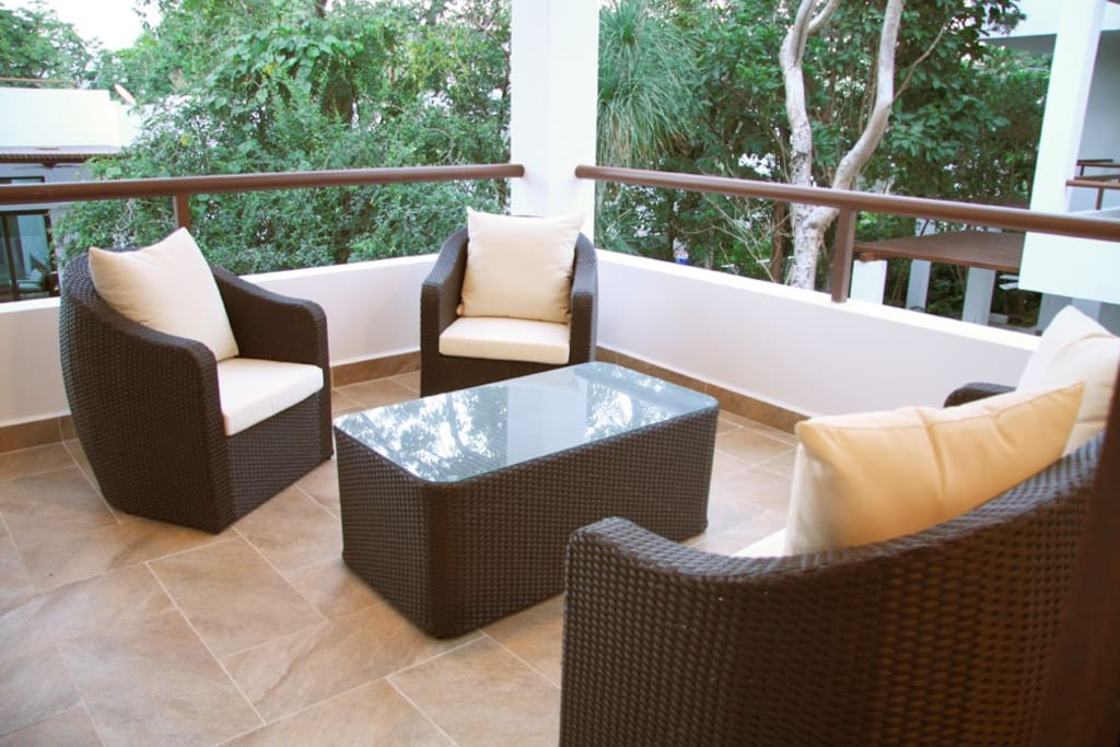 Furnished covered terrace
