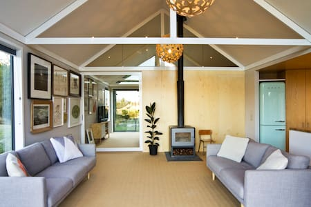 Designers Home on the Forest Edge - Hanmer Springs