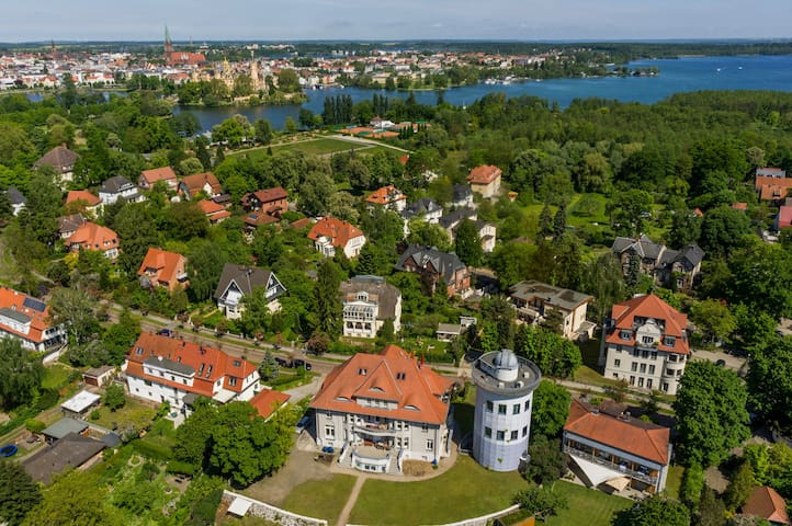 Traumhaft mit See- und Schlossblick - Schwerin