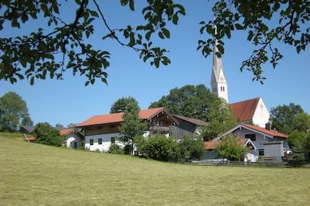 Ferienwohnung Blumenwiese - Bad Endorf - Huoneisto