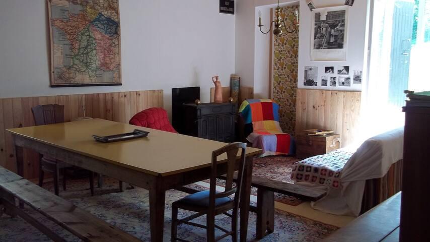 """""""Petite Maison""""  Saint Sauvant - Saint-Sauvant - Huis"""