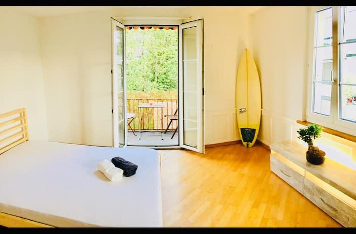 Beautiful balcony room in Central Thun