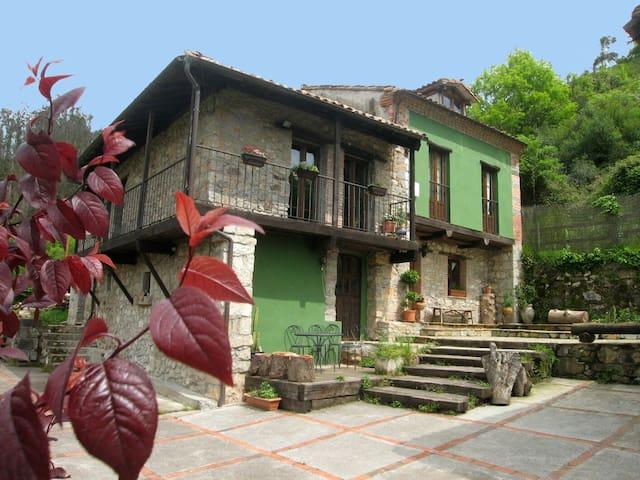 """Quintana La Vega""Casona asturiana - oviedo - Casa"