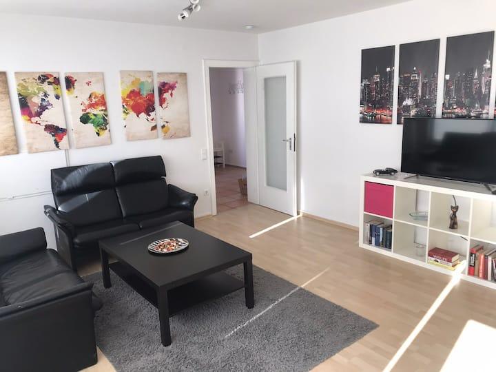 Privatzimmer in großer Wohnung in Bonn