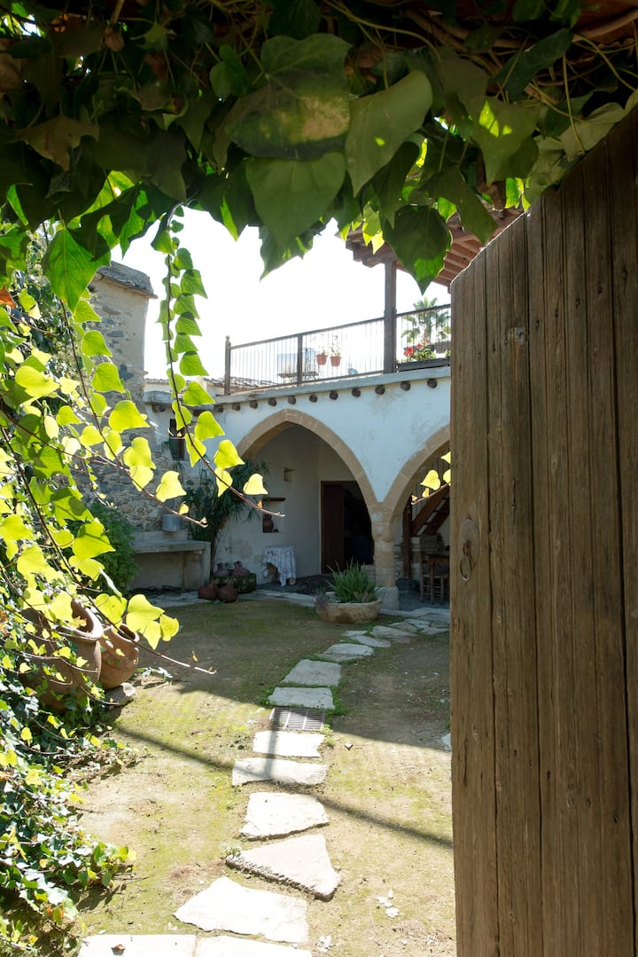 Traditional house 20km from Nicosia