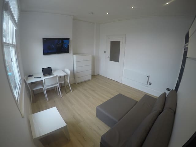 Modern Studio/1 Bed Flat In Central Hove