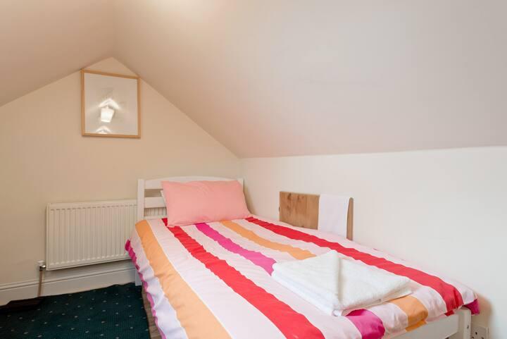 Dublin city Twin loft room modesty curtain