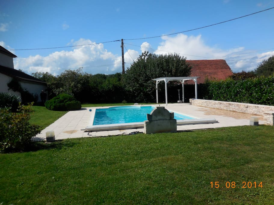Maison de campagne avec piscine houses for rent in for Piscine franche comte