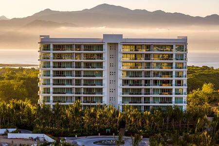 Grand Luxxe Villa Golf & Spa Pkg