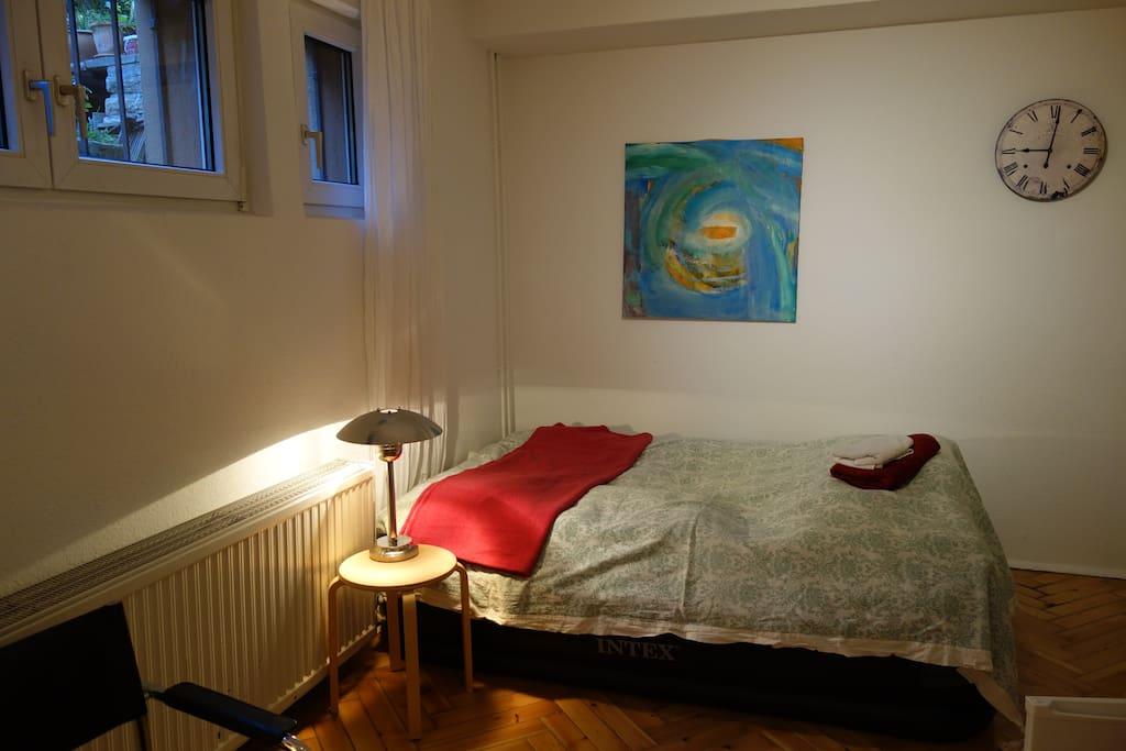 Neues Kieferbett, 140x200cm geeignet für zwei Personen