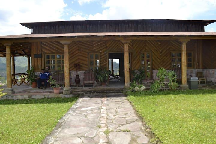 Habitación Familiar en Perquin