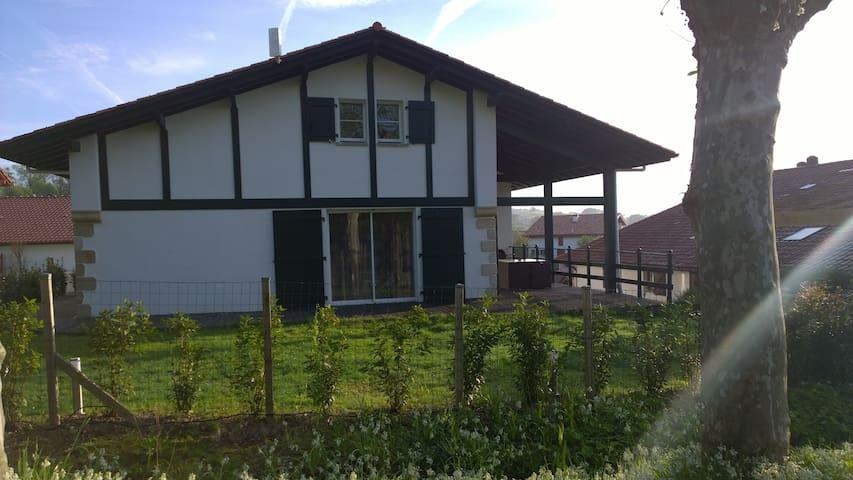 Sare, Maison Aice Egoa de 200 m²