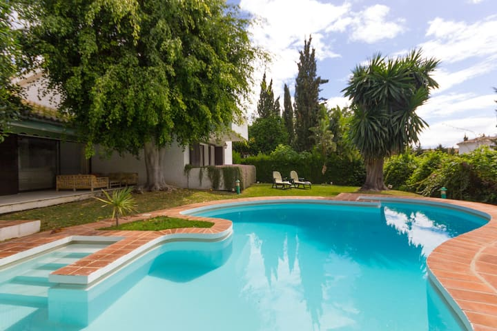 Private Villa Garden and Pool Marbella