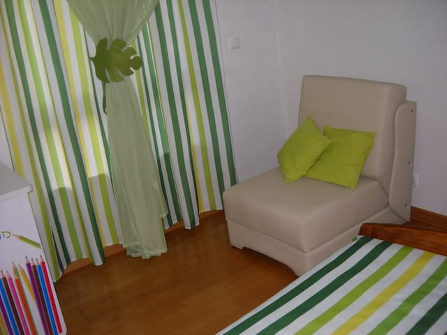 Quarto individual com wc privativo - Mafra - Bed & Breakfast